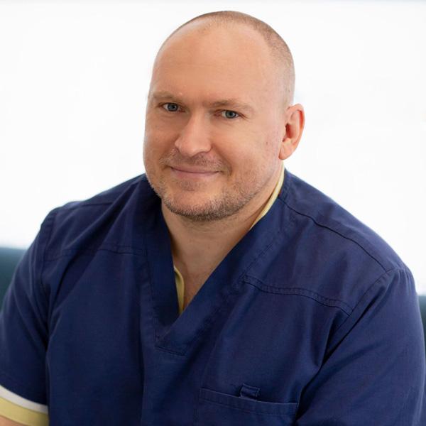 Dr. Jakub Lazorka
