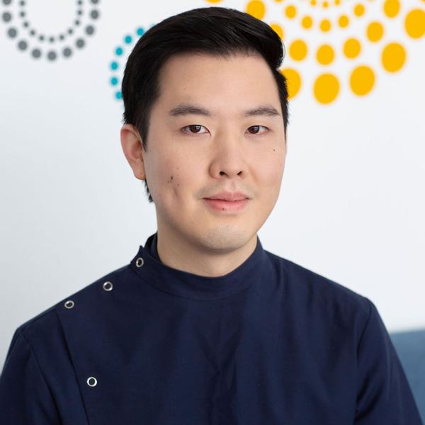 Dr Jonathon Jom